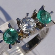 Three Stone Round Diamond and Emerald Ring in 18k White Gold
