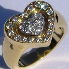 Diamond Pave Heart Ring in 18k Yellow Gold